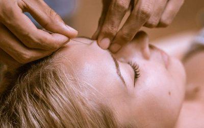 Az akupunktúra alternatív gyógymód.